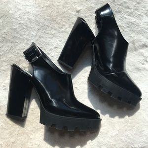 Zara Black Faux Patent Leather Heels with Tread 9